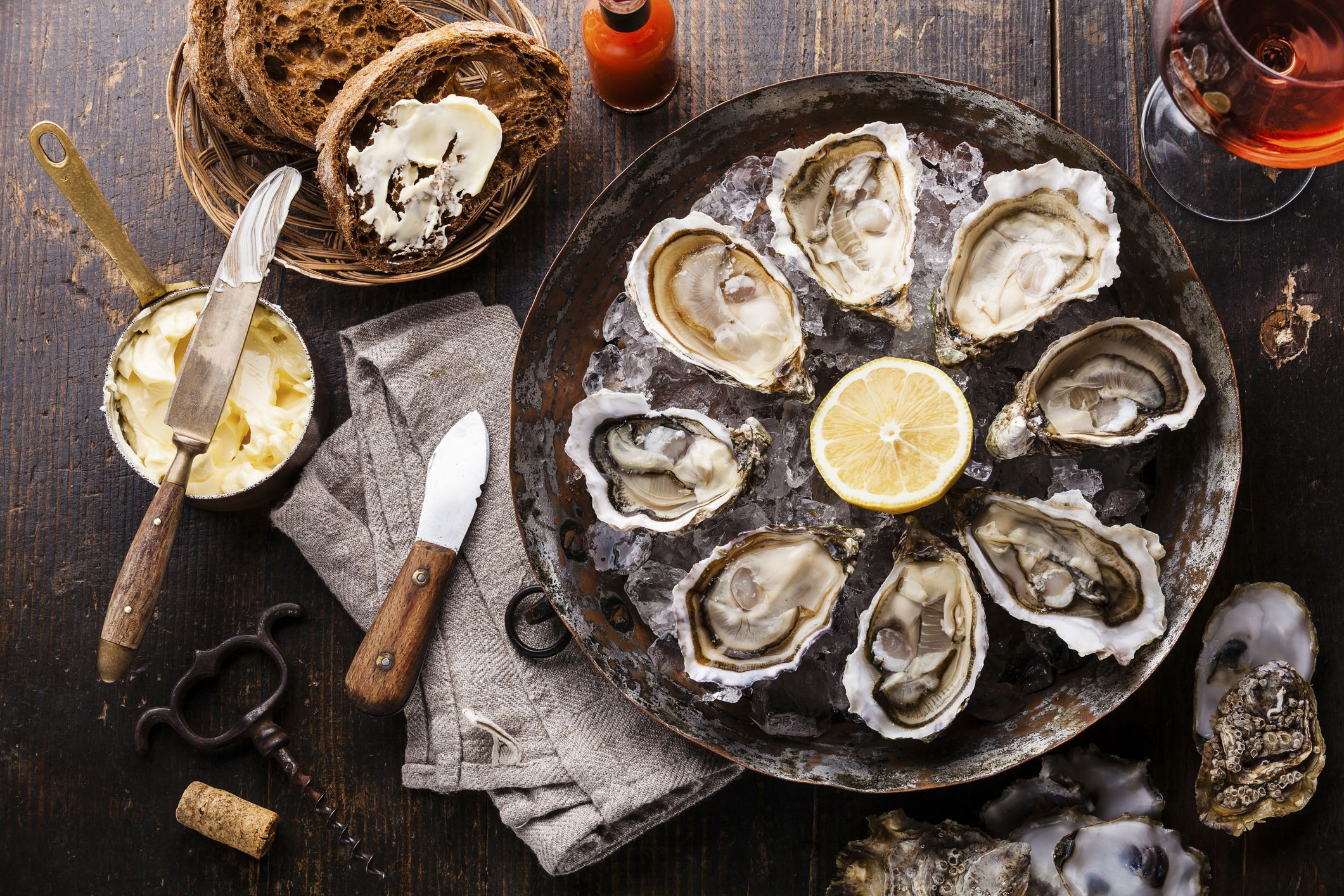 Oysters-on-the-Half-Shell-579145de3df78c173493d96e